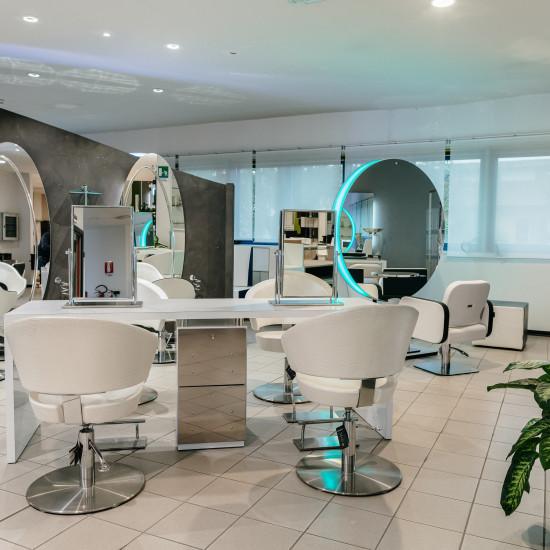 Arredamento per parrucchieri e centri estetici
